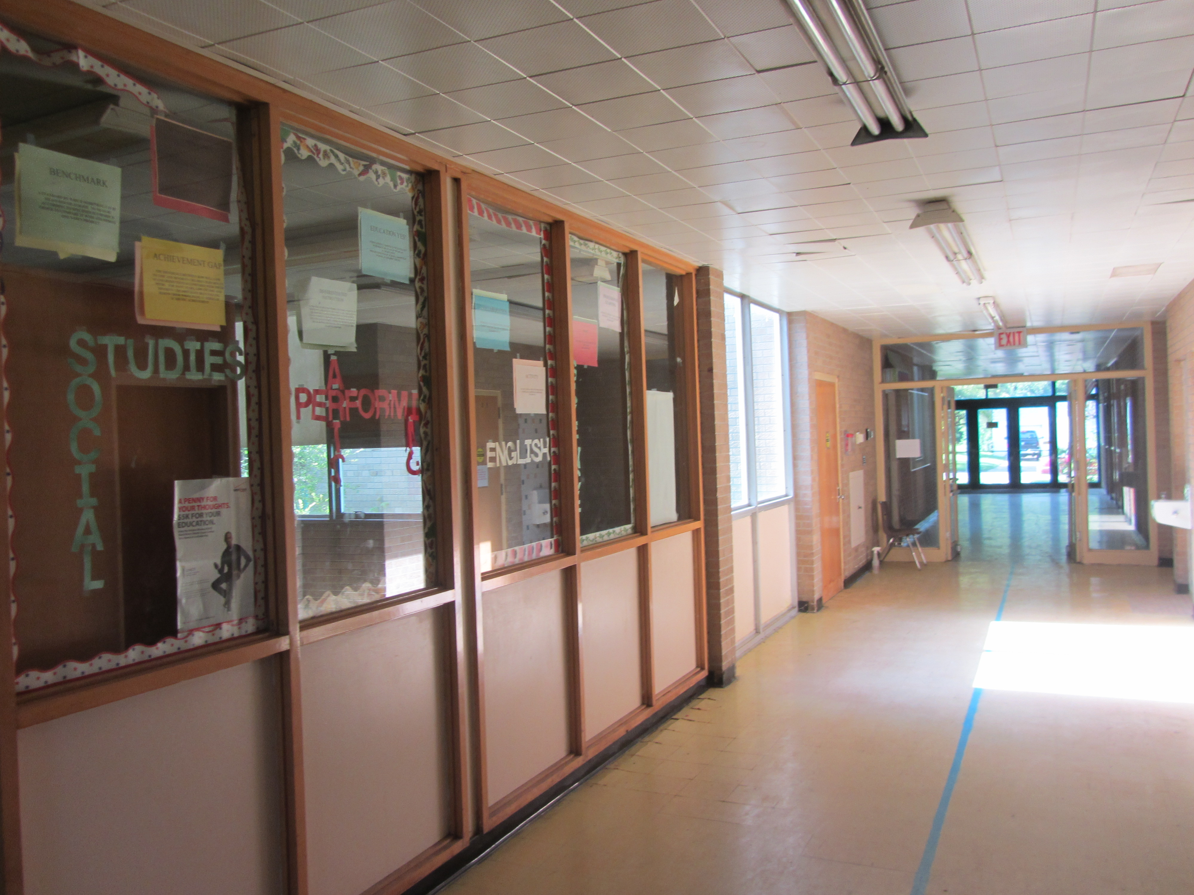 Hallway to Registration.jpg