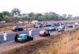 Troops kill 2 bandits along Abuja-Kaduna Expressway, recover weapons