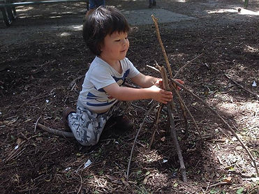 We build a gnome home. _#natureschoolla