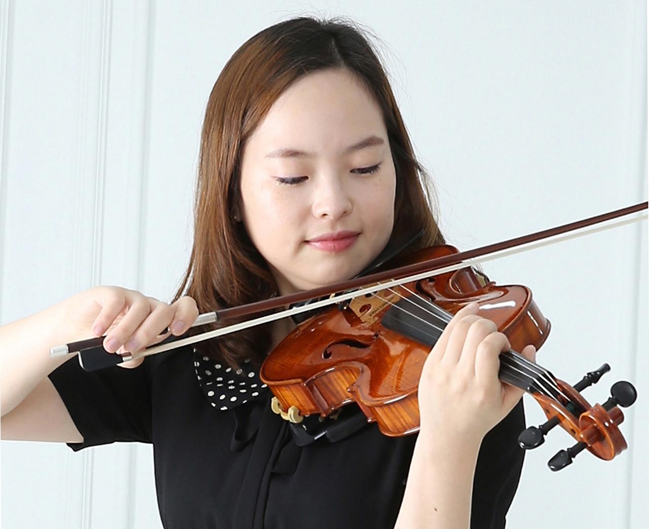 이소라  바이올리스트