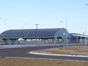 Colégio de Palmas (TO) recebe placas de energia solar e pode economizar até R$ 5 mil reais por mês.