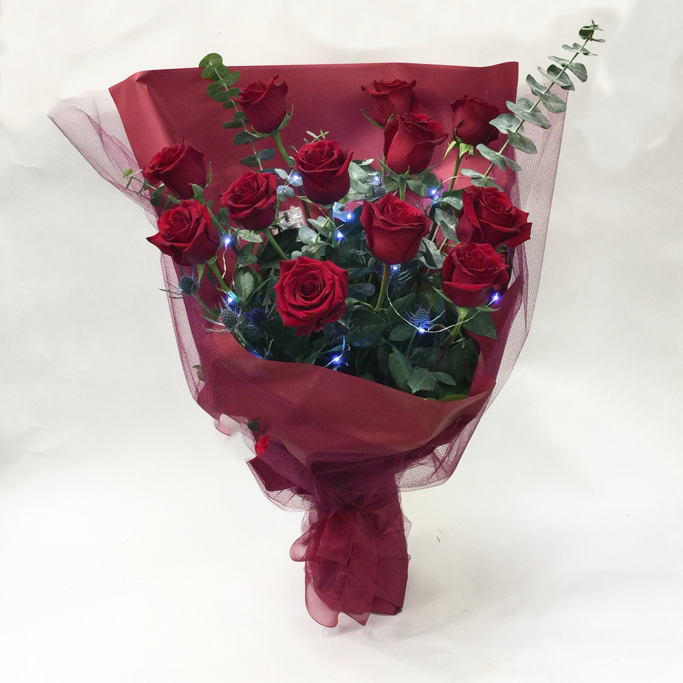 2021_valentines_day_roses_with_LED_lights