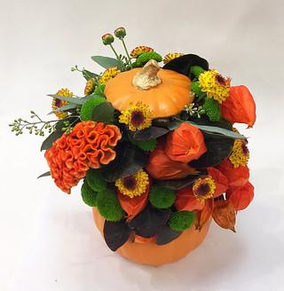 2021_fall_halloween_flower_arrangement