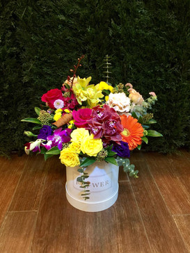 2021_valentines_day_colourful_floral_bucket
