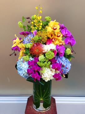 2021_valentines_day_flower_vase_arrangement