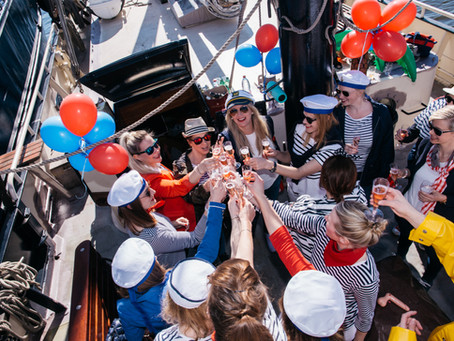 Unusual bachelorette party on the boat in Amsterdam