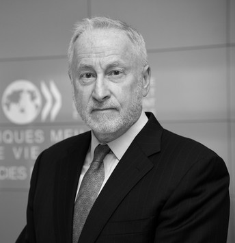 Douglas Frantz