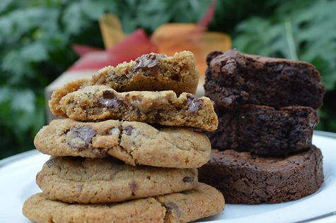 large-gift-box-cookies-brownies-close-up