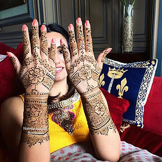 Beautiful bride & Mehendi done at _chate