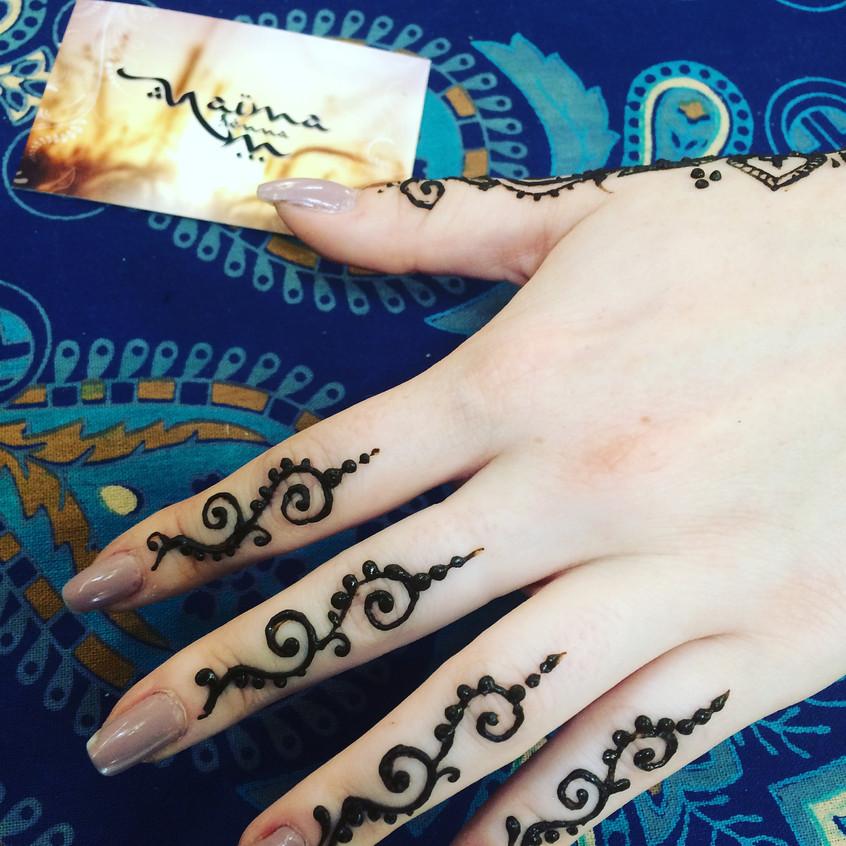 hennafingers