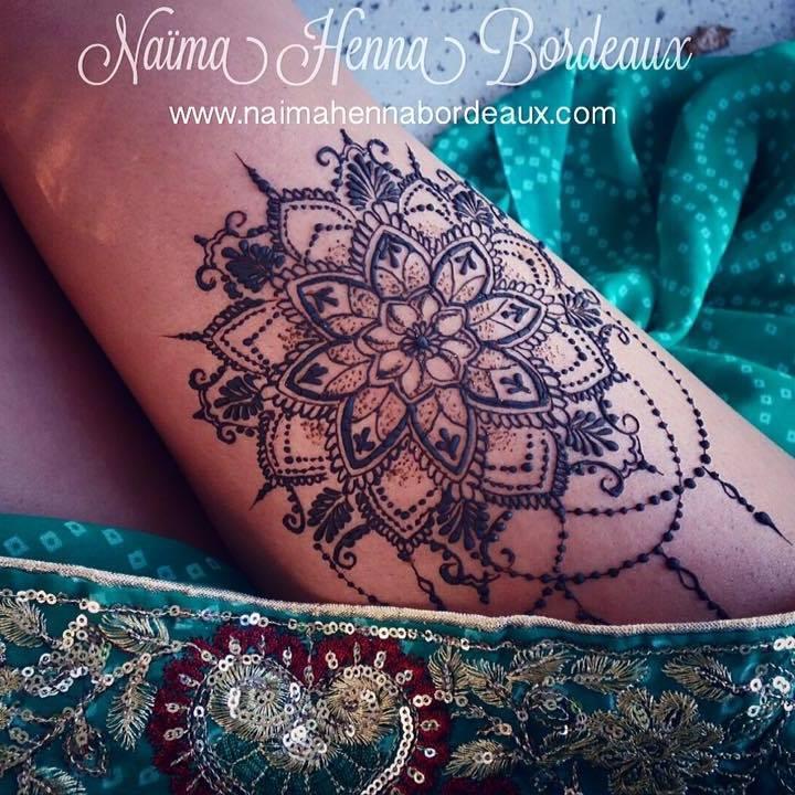Mandala-cuisse-tatouage