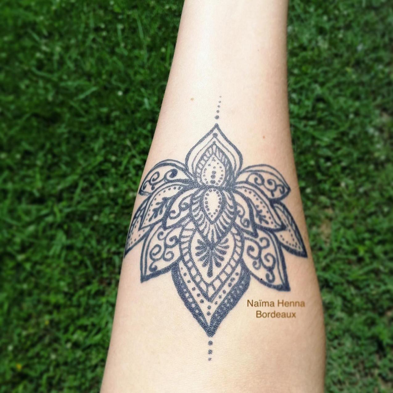 Jagua-lotus-naimahennabordeaux