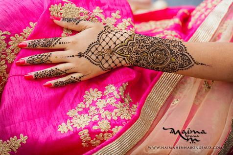 An intricate mehendi for the Bride