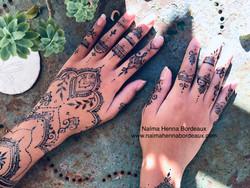 Jagua tattoo sur les mains et bras