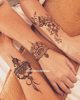 Henna with my girls 💓🌟_edited.jpg