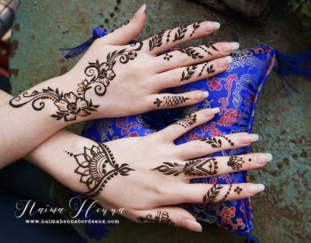Simple Henna Designs for guests