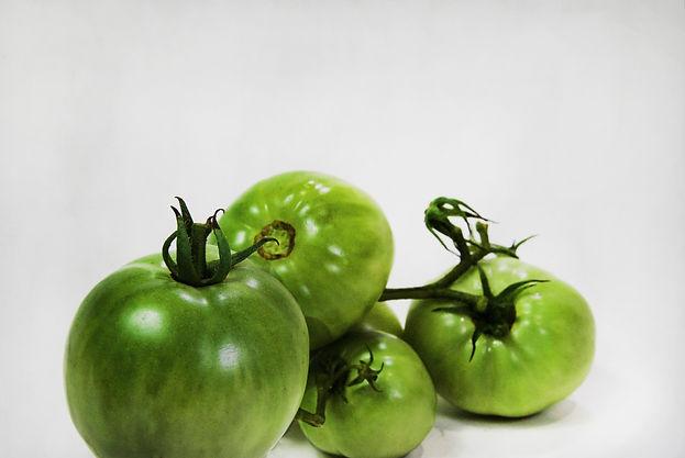 tomatos%20green_edited.jpg