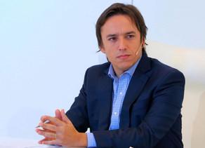 El desafío de los medios, según José del Río: no marearse ante los extremos de las redes sociales