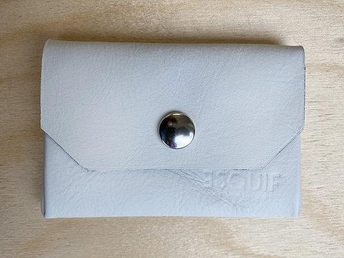 Porte-monnaie en cuir blanc angle aperçu fermé