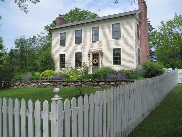 The Bishop's 1820's farmhouse - Hudson, OH