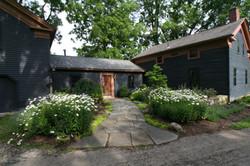 Landscape Design - Flagstone Walkway