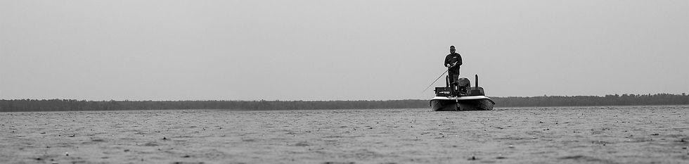 mg-tourseries-wide-openwater-rain-boatri