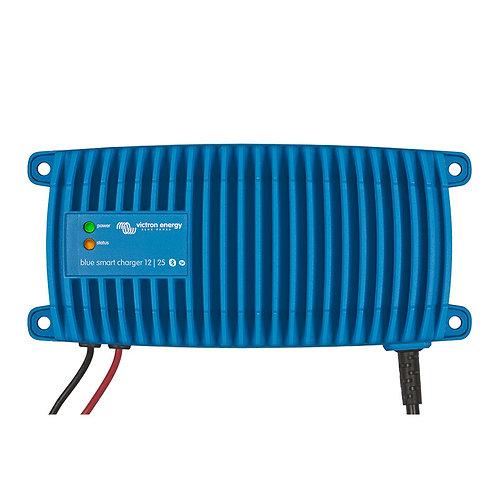 Зарядное устройство 12V Victron Blue Smart 12/17-IP67