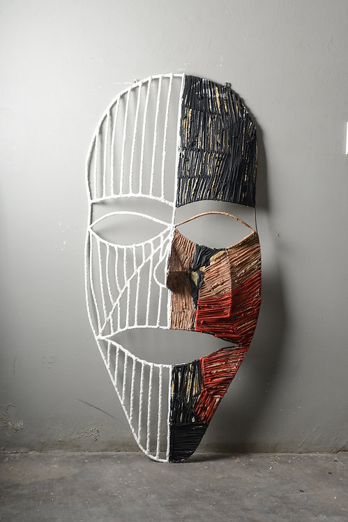The mask of the two sides2