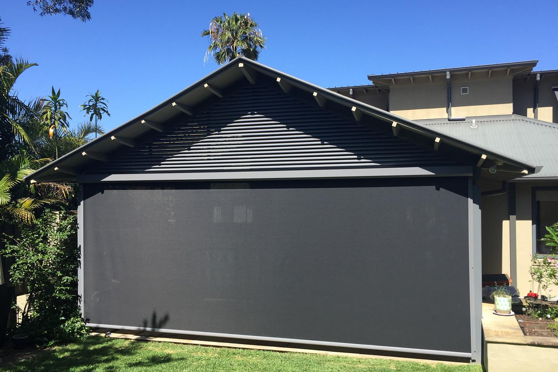 Motorised outdoor blinds and vertiscreens | Ziptrak awnings
