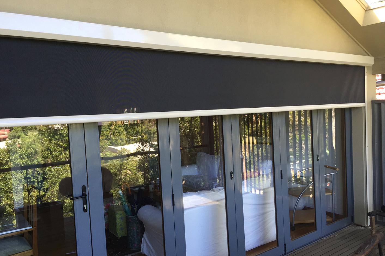 Motorised awning | Motorised outdoor blind | Zipscreen awning
