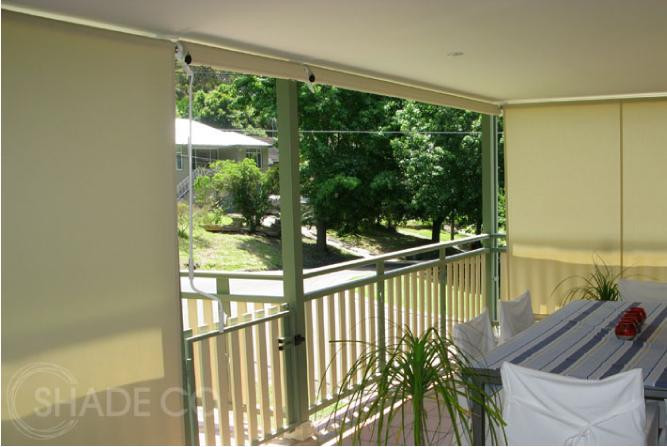 Straight drop awnings and outdoor blinds | Cafe blinds with mesh fabrics