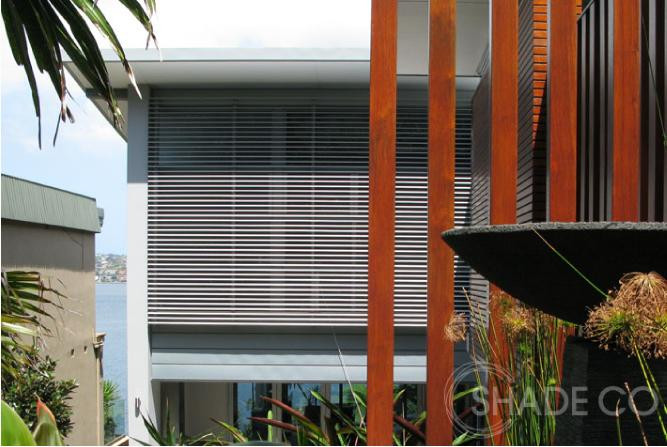 External venetian blinds, motorised venetian blinds