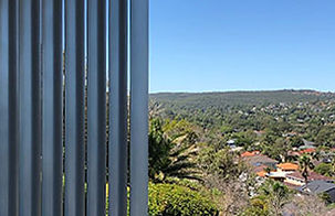 privacy screens sydney, fixed privacy screen, custom made privacy screens, architectually design privacy screen, sydney screens, louvre awnings, BASIX awnings