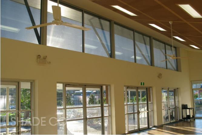 Vertiscreens | Outdoor blinds | Straight drop awnings | Cafe blinds