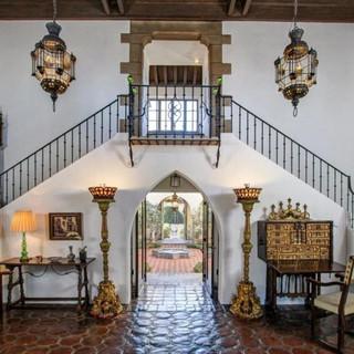 Pasadena Grand Dame