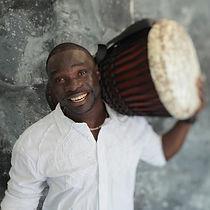 Cheikh Anta Faye / Artiste à l'école / Les Productions Mosaiculture