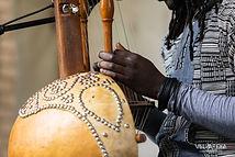 Mi'gMafrica, Musique afro-autochtone. La rencontre entre la culture mi'gmak et la culture mandingue du Sénégal.