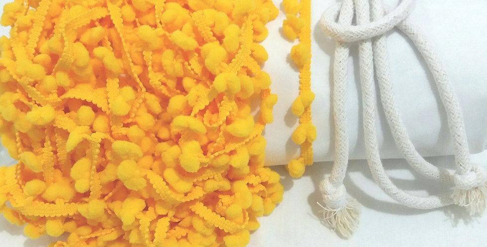 Rede Baby - Branca com Pompons Amarelo Ouro