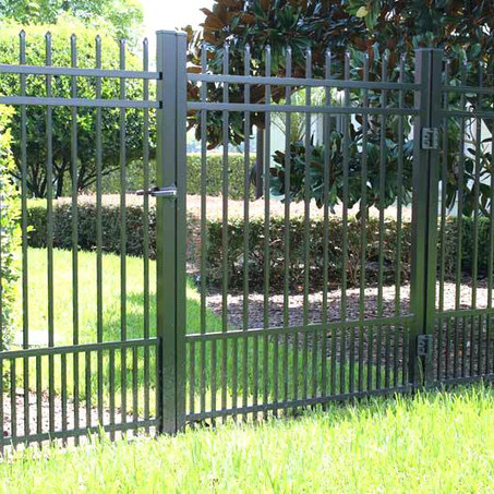 Aluminum Fence with Puppy Pickets