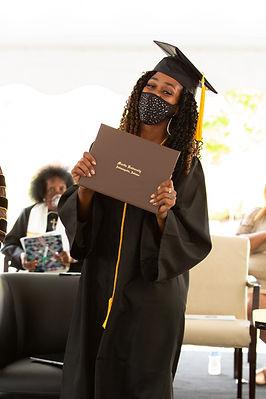 2020-graduate2.jpg