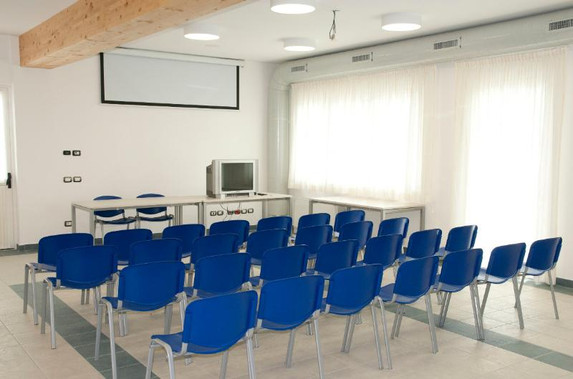 sala conferenze.jpg