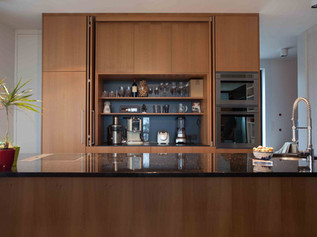 KITCHEN WITH SIDE PANELS II