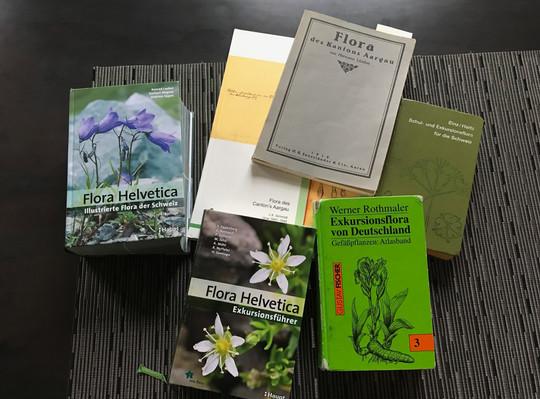 Alte und neue Botanikliteratur