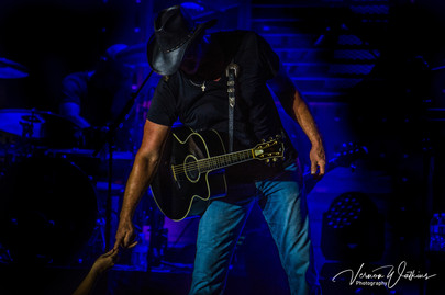 Trace Adkins - The Touch