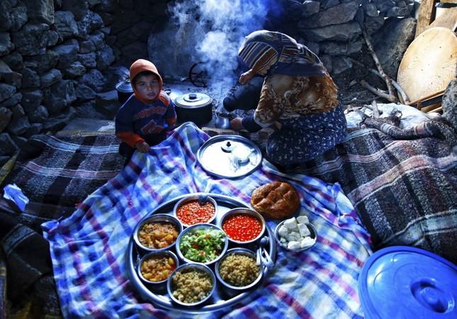 A nomadic dinner