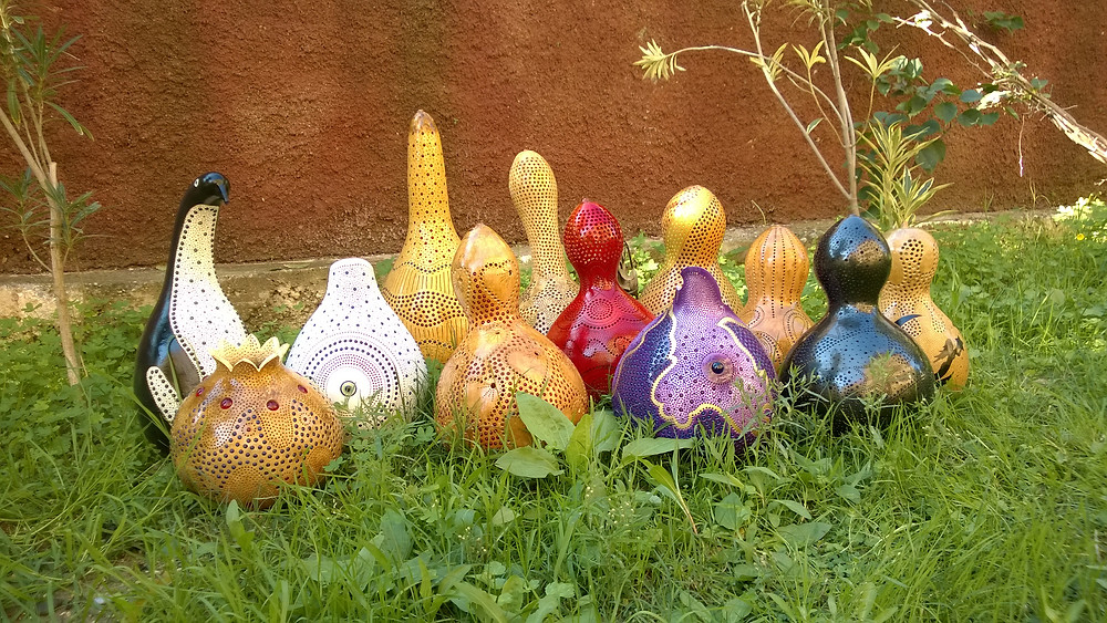 The main family photo was taken right on the grass whre the gourds felt the most comfortable.