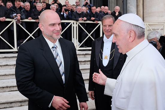 tim with pope.JPG