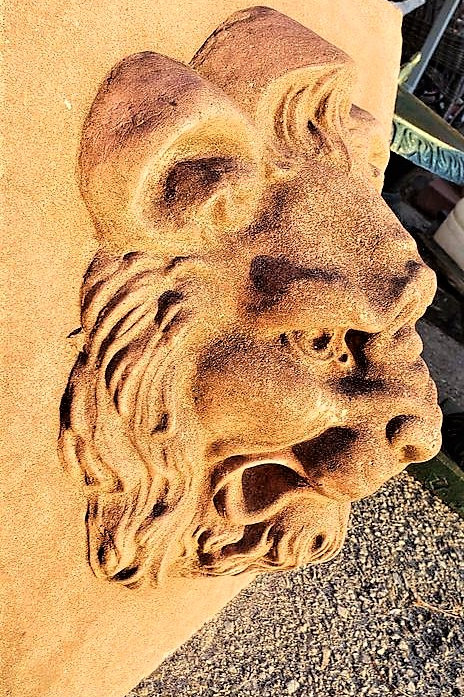 Lion wall plaques made of terracotta