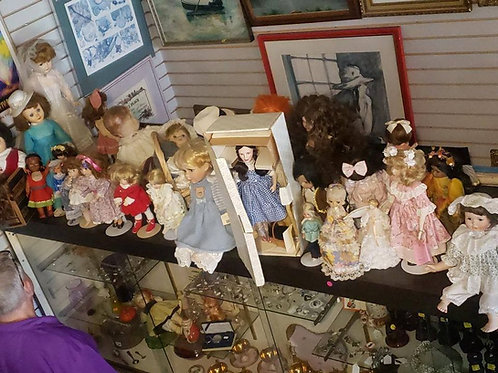 130 Vintage Dolls being sold as a lot = $3.00 a piece