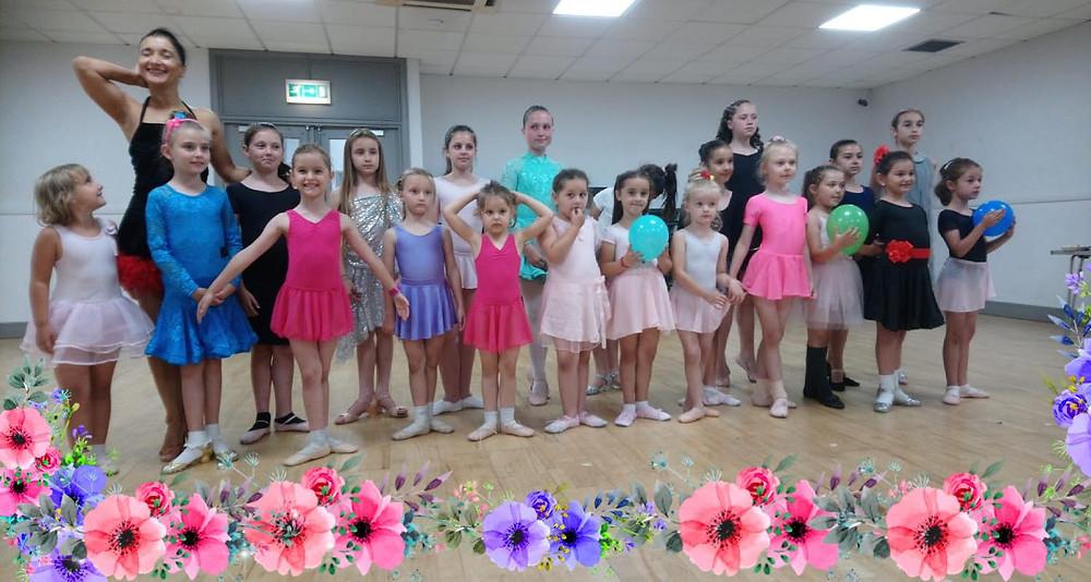 Outstanding Performance in Walthamstow Leisure Centre, London / Anita Dance Studio